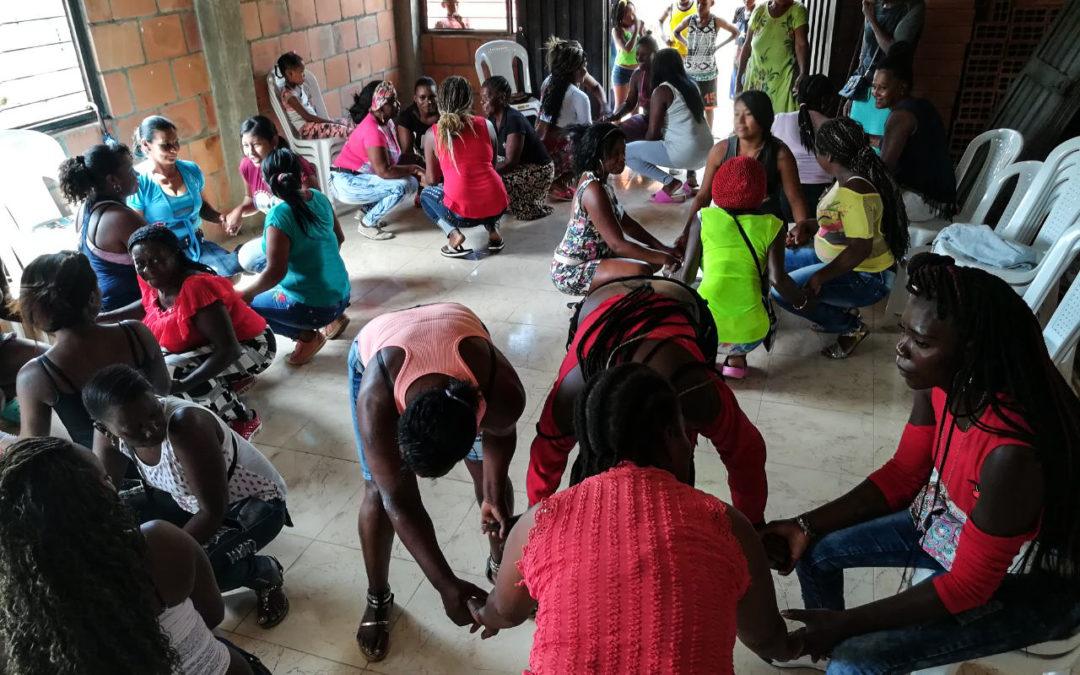 Conformación de Organización de mujeres seleccionadoras en Suárez, Colombia