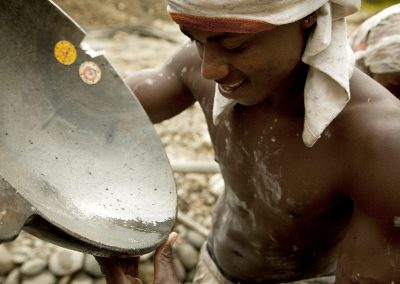 Mercury reduction in gold processing plants in Andean countries