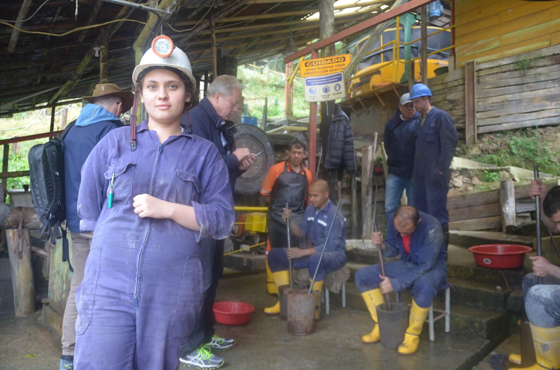 Daniela, ingeniera de la mina La Coqueta LTD, Manizales, Colombia.  (c) ARM