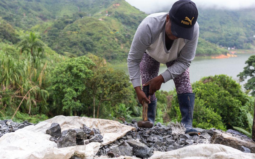 """5 recomendaciones para que la plataforma """"Génesis"""" logre ser útil para la minería artesanal en Colombia"""