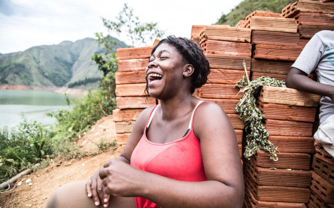 PREPARÁNDONOS PARA APOYAR UN VIAJE HACIA EL EMPODERAMIENTO: Construcción de un movimiento de mujeres mineras en Antioquia, Colombia