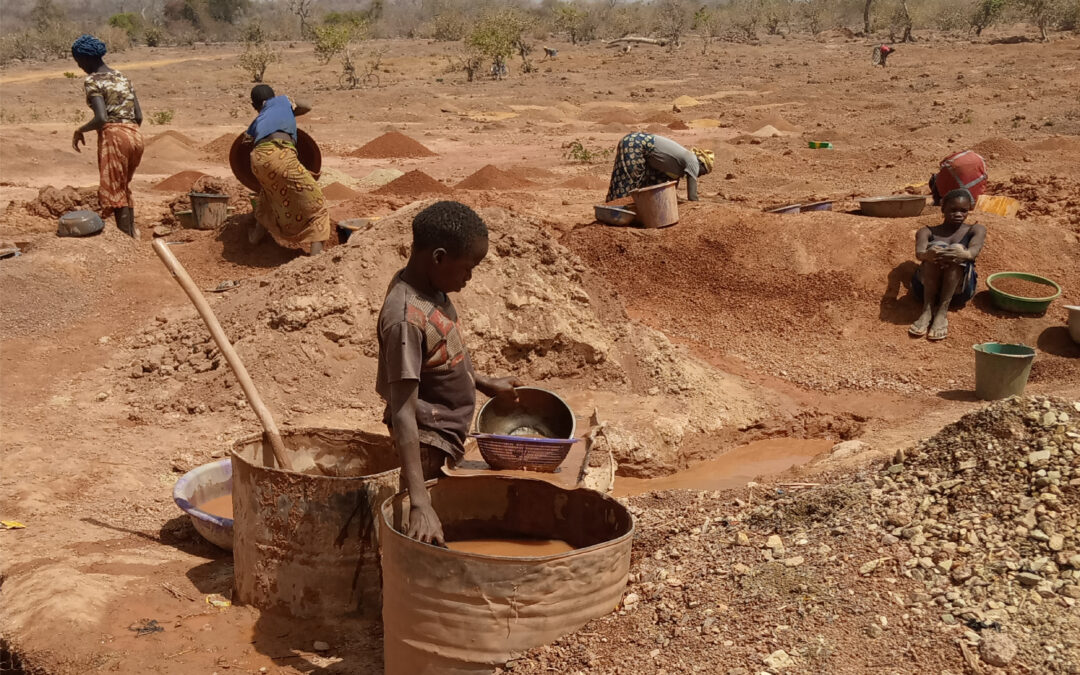 """""""Foundations for Peace"""" project in the artisanal and small-scale gold mining sector in Burkina Faso"""